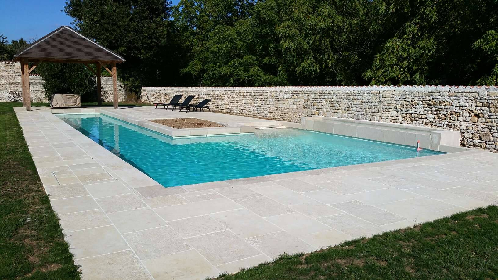 construction de piscine d bordement en charente 16 par